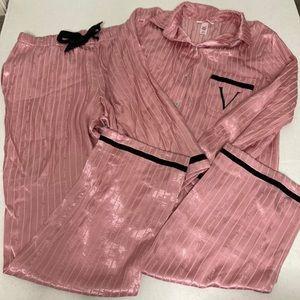 Victoria's Secret satin pink signature pajamas (M)